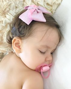 The Babys, Cute Little Baby, Cute Baby Girl, Baby Boy, Cute Baby Videos, Cute Baby Pictures, Cute Babies Photography, Baby Doll Nursery, Baby Model