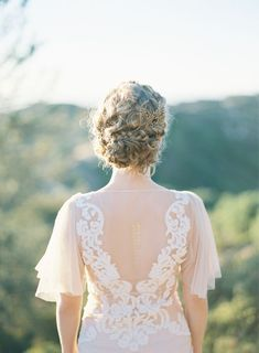 Hairstyles For Black Women Rustic Grecian Bridal Inspiration.Hairstyles For Black Women Rustic Grecian Bridal Inspiration Bridal Hair, Bridal Gowns, Wedding Gowns, Wedding Outfits, Mod Wedding, Wedding Bride, Wedding Updo, Wedding Bells, Elegant Wedding