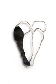 selen özus: in Firenze / brooch - silver, iron, 2009
