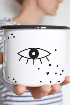 My mug's got its eye on you