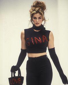 Instagram 上的 80s90s00s lovers:「 Dolce & Gabbana S/S 1992 #cindycrawford #lindaevangelista #helenachristensen #karenmulder #naomicampbell #claudiaschiffer 」
