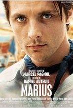 L'histoire se déroule dans le Bar de la Marine tenu par César et son fils Marius. Marius ne rêve que d'embarquer sur un des bateaux qui passent devant le bar. Fanny, jeune marchande de coquillages, aime  Marius depuis l'enfance ; Marius, sans l'avouer, a toujours aimé Fanny. Pour retenir Marius, elle lui dévoile son amour pour lui et attise sa jalousie en provoquant une dispute entre Marius et Panisse, qui courtise Fanny. Marius renonce à son projet et finit par s'unir à Fanny.