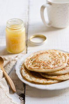 Coconut crumpet-pancakes