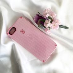Pink Speck iPhone 5 case This case is still in great condition! No scratches or nasty stuff. Cute and sturdy. SPECK Accessories Phone Cases