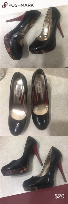 Steve Madden Pumps Sexy Steve Madden heels 👠 cans be dressed up or down , Red heel, platform makes them confortable, have plenty of life left , NO TRADES, please use offer button I do not negotiate in the comments section Steve Madden Shoes Platforms
