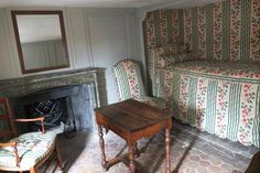 Bedroom of the chamber maid of Mme de Pompadour