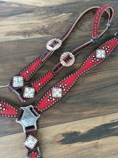 Handmade on Herman Oak Leather. With genuine Swarovski crystals and stainless steel hardware. These Sets Are Made To Last. Headstall and Breast Collar Sold Separately Please Allow Weeks For Pre Ordered Items. Bling Horse Tack, Western Horse Tack, Barrel Racing Horses, Barrel Horse, Westerns, Horse Show Clothes, Riding Clothes, Headstalls For Horses, Horse Saddles