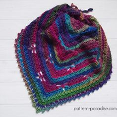 Free crochet pattern for radiating dragonflies afhgan, blanket or throw by Pattern-Paradise.com #crochet #freepattern #patternparadisecrochet