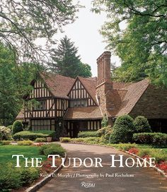 Read Kevin Murphy's new book, The Tudor Home. Published on A beautifully illustrated volume on the Tudor-style house, a keystone in American interiors and architecture. Since its birth in sixteenth-century. Zaha Hadid, Casas Tudor, Home Design Decor, House Design, Cottage Design, Die Tudors, Estilo Tudor, English Tudor Homes, Casas Country