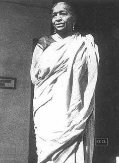 Freedom fighters of India. 'The Nightingale Of India' Sarojini Naidu was a great poet. But her contribution was just not limited to composing and writing. She was a true gem in the field of poitics as well and struggled hard for Indian independance