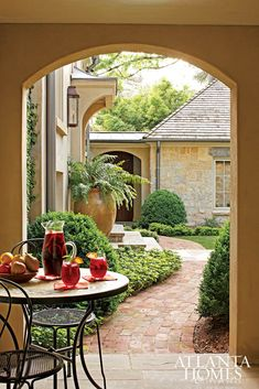 Outdoor rooms (Design Alchemy, Aug 2009, Atlanta Homes and Lifestyles)