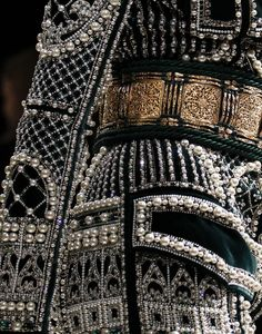 Balmain Detail. Sophie Power Board /  #riverislandbaroque