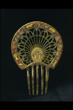 Egyptian Revival Comb  1923-1924  The Victoria & Albert Museum