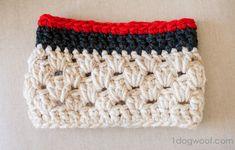 Chunky cowl crochet pattern at www.1dogwoof.com