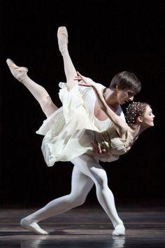 "Jurgita Dronina and Olaf Kollmannsperger in ""Romeo and Juliet"" /Het Nationale Ballet /Photographer Hans Nilsson. Dance All Day, Just Dance, Ballet Art, Ballet Dancers, Bolshoi Ballet, Ballet Shoes, Dance Photos, Dance Pictures, Royal Ballet"