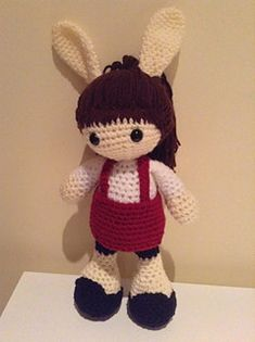 Amy Rabbit: free doll crochet pattern