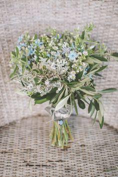 An elegant affair in New Zealand: http://www.stylemepretty.com/2014/06/06/elegant-garden-affair-in-new-zealand-a-tear-worthy-toast-on-film/   Photography: http://www.coraleeandalex.com/ #floral #flowers #wedding