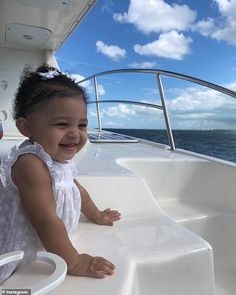 Happiness 795377984172316599 - Kylie Jenner's daughter Stormi turns one! Kim Kardashian shares new photo of the child Beautiful Children, Beautiful Babies, Cute Kids, Cute Babies, Mode Kylie Jenner, Jenner Kids, Kylie Travis, Travis Scott, Foto Baby