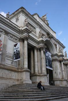 Sant 39 andrea della valle is a basilica church in in the for Palazzo delle esposizioni rome italy
