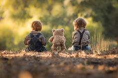 Adrian C. Murray's is a self-taught family photographer whose photos are filled with soft light, love for his two sons, and an adorable plush teddy. Kids Photography Boys, Family Photography, Cute Kids, Cute Babies, Photo Series, Bored Panda, Panda Annoiato, Beautiful Moments, Precious Moments