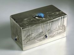 Liberty Cymric silver box / Archibald Knox