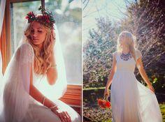 Klaprozen kleuren prachtig bij stralend witte bruidsjurken...