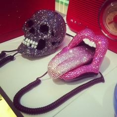 If these are telephones i want the skull! Skull And Bones, Macaron, All That Glitters, Girl Guides, Girly Things, Random Things, Clueless, Girly Girl, Sweet Home