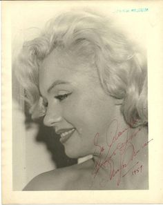Signed photo of Marilyn Monroe, Marilyn Monroe Photos, Marylin Monroe, Beautiful People, Beautiful Women, Beautiful Goddess, Norma Jeane, Sexy, Old Hollywood, Hollywood Stars
