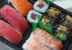 Featured food: grocery store sushi. I took apart sushi, weighed the ingredients and did the calorie calculations.