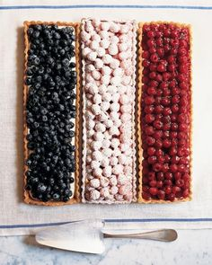 15 Amazing Ideas for Throwing the Perfect Bastille Day Soiree via Brit + Co Recettes Martha Stewart, Martha Stewart Recipes, Buffet Dessert, Dessert Tarts, Blueberry Chocolate, Molten Chocolate, Chocolate Cupcakes, Blue Desserts, Rainbow Desserts
