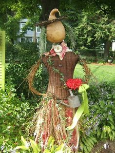 Make A Scarecrow, Scarecrow Crafts, Scarecrow Ideas, Scarecrows For Garden, Pumpkin People, Scarecrow Festival, Landscaping With Roses, Autumn Crafts, Fall Projects
