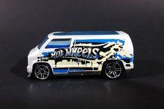 2007 Hot Wheels Custom '77 City Graffiti Dodge Van Die Cast Toy Car - DCC https://treasurevalleyantiques.com/products/2007-hot-wheels-custom-77-city-graffiti-dodge-van-die-cast-toy-car-dcc #Collectibles #2000s #HotWheels #Custom #1970s #70s #Seventies #Graffiti #CityScape #Skyline #Artwork #Artistic #StreetArt #Dodge #Vans #Cars #Diecast #Toys #Vehicles #Automobiles