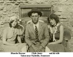 Blanche Caldwell Barrow married Buck Barrow, brother of the notorious Clyde Barrow. Bonnie And Clyde Bodies, Bonnie And Clyde Pictures, Bonnie And Clyde Quotes, Bonnie And Clyde Death, Mafia, Magic Time Machine, Old Photos, Vintage Photos, Famous Outlaws