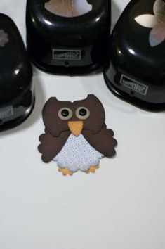 This little owl, make from cardstock cut from a variety of punch shapes and then assembled, is just tooooo cute!!!