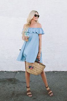 Off-The-Shoulder style has turned into springs most coveted look. Feeling playful or flirty? This is the look for you! #streetstyle #offtheshoulder #spring #personalshopper #wardrobestylist #fashion #trends #springclothing #inspiration #torontostyle #summerstyle