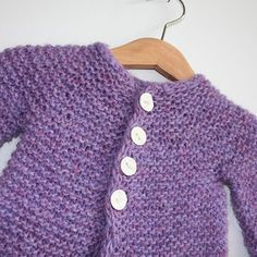 This time Knitting Iceland brings you a lovely free pattern for a baby/toddler cardigan by Ragga Eiriksdottir. The seamless design makes it really comfortable for the little person in your life. free pattern and Baby Knitting Patterns, Baby Sweater Patterns, Baby Cardigan Knitting Pattern, Knitted Baby Cardigan, Knit Baby Sweaters, Knitted Baby Clothes, Knitting For Kids, Baby Patterns, Free Knitting