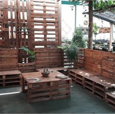 20 Ideias com paletes que vai querer em casa ainda hoje! Best Outdoor Furniture, Ideas Geniales, Diy Bedroom Decor, Home Decor, Decoration, Projects To Try, Woodworking, Patio, Outdoor Decor