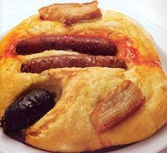 Coca de Mestall (La Safor) Spanish Cuisine, Spanish Food, Quiches, Better Butter, Mediterranean Recipes, Savoury Cake, Bacon, Brunch, Food And Drink