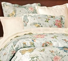 Pottery Barn: Spring Butterfly Organic Duvet Cover & Sham - gorgeous. Wish I didn't see this at the outlet yesterday. WANT!