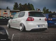 VW Golf MKV R32
