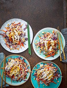 Satay Chicken Noodle Salad Recipe Check out our easy chicken satay noodle salad recipe with red cabbage, shredded carrots and roasted peanuts. This vibrant crunchy salad is low in calories and ready in an hour Chicken Noodle Salad Recipe, Easy Chicken And Noodles, Crunchy Noodle Salad, Salad Chicken, 500 Calorie Meals, No Calorie Foods, Low Calorie Recipes, Diabetic Recipes, Healthy Chicken Dinner
