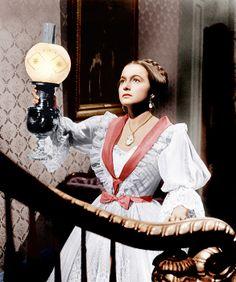 Olivia de Havilland in 'The Heiress' - Edith Head Old Hollywood Style - ELLE Golden Age Of Hollywood, Classic Hollywood, Old Hollywood, Hollywood Style, Hollywood Gowns, Hollywood Glamour, Hollywood Actresses, Olivia De Havilland, Movie Costumes