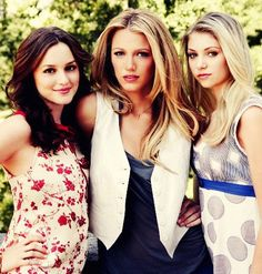 Gossip Girl   blair serena jenny  i <3 how they do that in this picture but in the show please