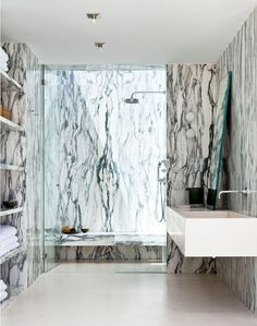 Marble Bathroom  @DestinationMars
