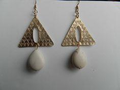 Boucles d'oreilles aztéque plaqué doré sur laiton et pierre