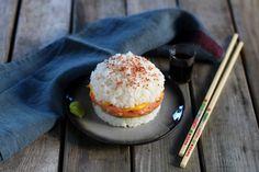 """750g vous propose la recette """"Sushi Burger"""" accompagnée de sa version vidéo pour cuisiner en compagnie de Chef Damien et Chef Christophe."""