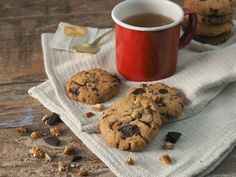 Chocolate chip cookies are everyone's favourite treat. This yummy version is not only packed with dark chocolate but you get a nutty crunch from the pecans. Healthy Dark Chocolate, Organic Dark Chocolate, Pecan Cookies, Chocolate Chip Cookies, Almond Recipes, My Recipes, Chef's Choice, Tray Bakes, Joyful