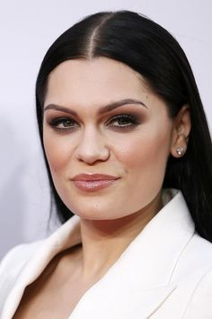 Jessie J   15 Of The Boldest Eyebrow Transformations Of 2014
