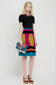 Red Valentino - Pre-Fall 2015 - ❤️Collar pattern (embroidery?)