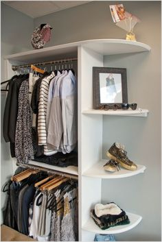 Add style and storage space to your bed room with these open closet designs This could work in the back bedroom; it is a small space, so this could add closet space without having to take too much out of the bedroom. Kids Clothes Storage, Closet Storage, Bedroom Storage, Closet Organization, Clothes Storage Ideas Without A Closet, Clothing Storage, Space Clothing, Clothing Racks, Closet Shelves